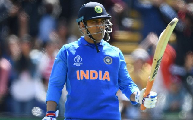 Sad news for MSD fans Virat kholi announces his Retirement