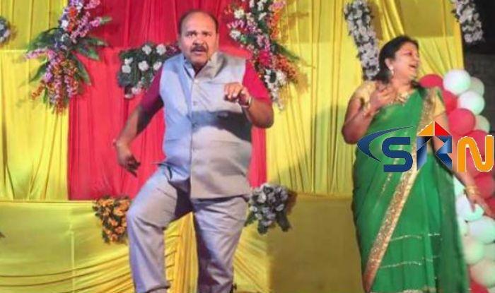 Aap Ke Aa Jane Se Song Dance Performance 45 years Uncle viral Videos