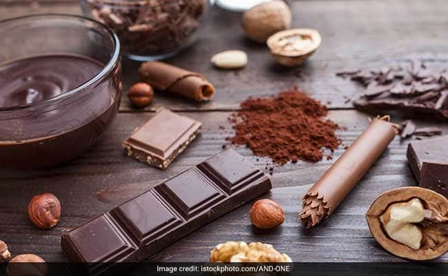 Eating Dark Chocolate May Help Reduce Depression